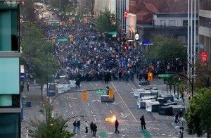 Stanley Cup: Vancouver Riots as Boston Celebrates…