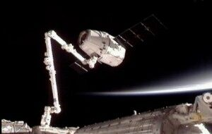 SpaceX Dragon Arrives At Space Station [VIDEO]