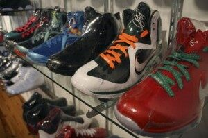 NYC Sneaky Sneaker Thieves Develop Two-Part Heist