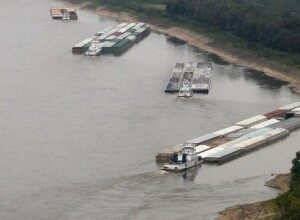 UPDATE: MISSISSIPPI RIVER WATER LEVELS 9-19-Mississippi-River-Repairs-2-300x220
