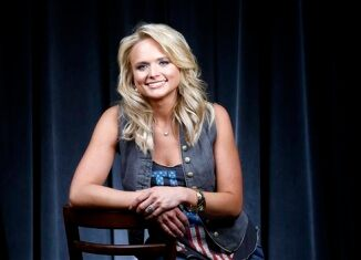 Fox country podcast for Miranda lambert the weight of these wings songs
