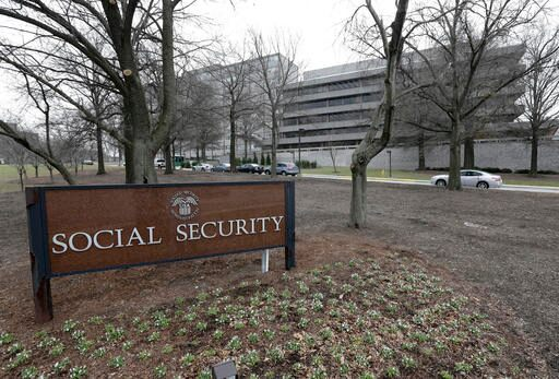Social security and veterans benefits recipients, military retirees: Here's your 2017 raise