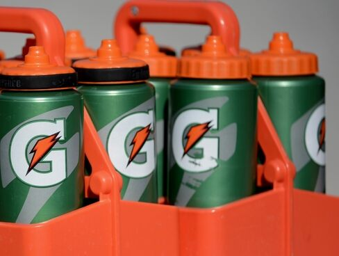 why gatorade has effective commercials Why is gatorade called gatorade gatorade, developed from the term gator-aid, was developed as a sports drink especially for the florida gators football team too much gatorade can have negative effects such as weight gain, vitamin toxicity, hypotranemia, and high blood sugar.