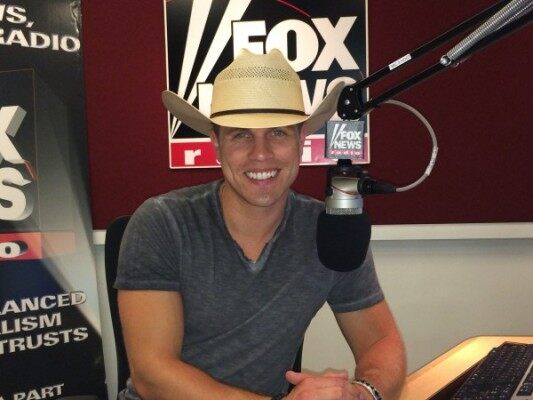 09-18 FOX Country Dustin Lynch
