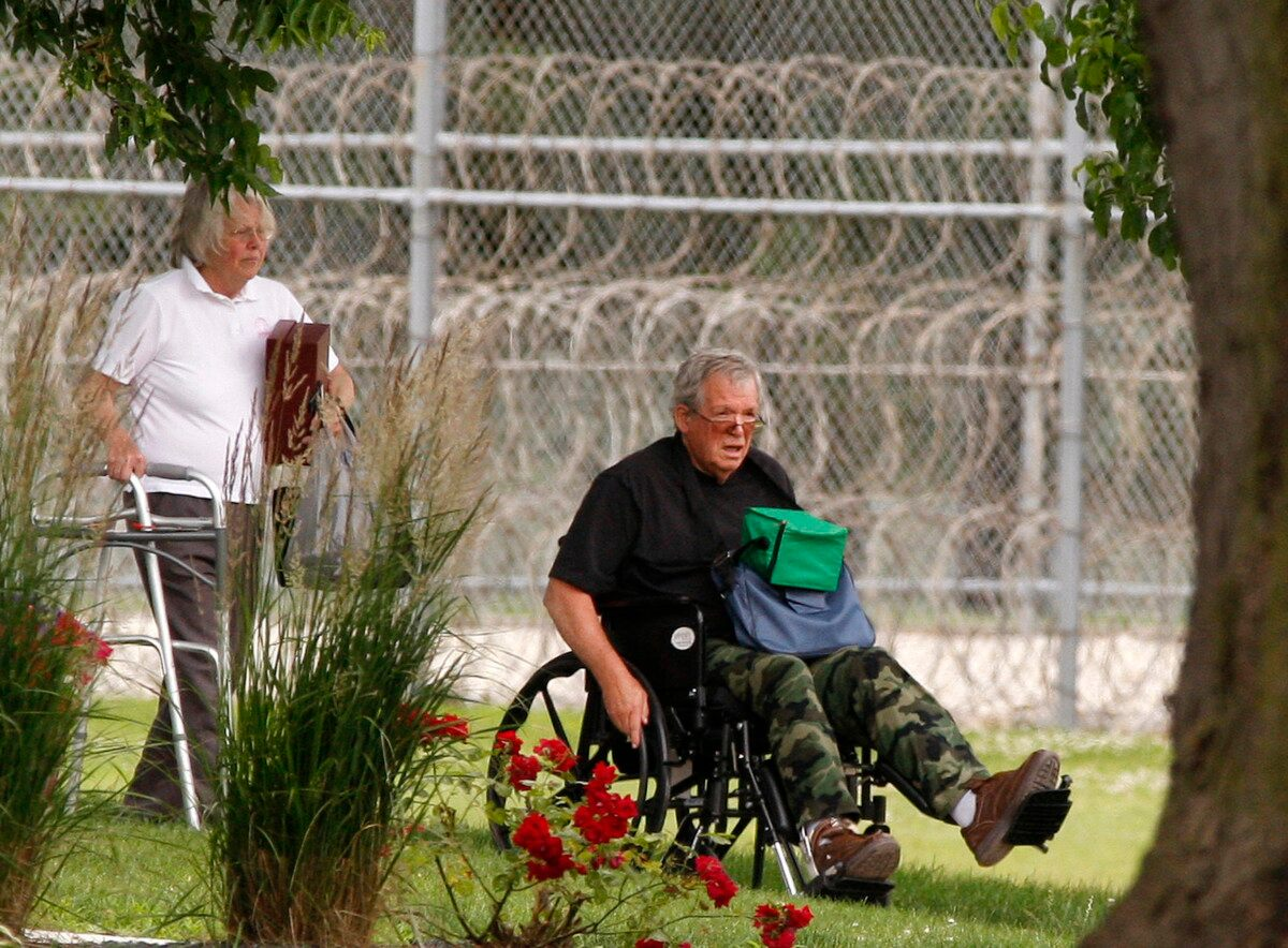 Dennis Hastert out of Minnesota prison, BOP records show