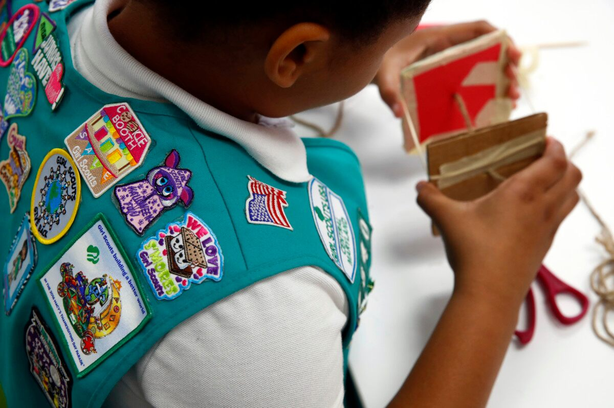 Girl Scouts Can Now Earn Merit Badges in 23 STEM Fields