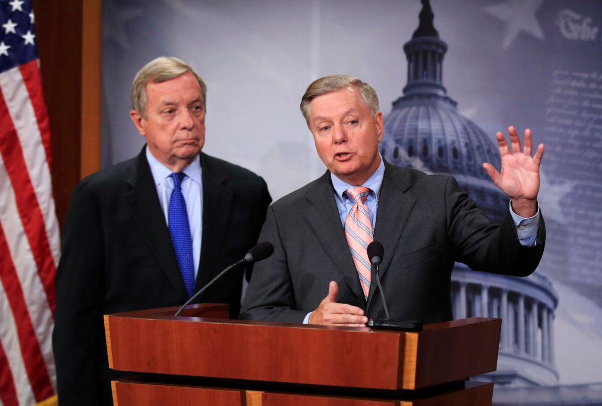 Senator Graham, Durbin to announce Dream Act for young immigrants